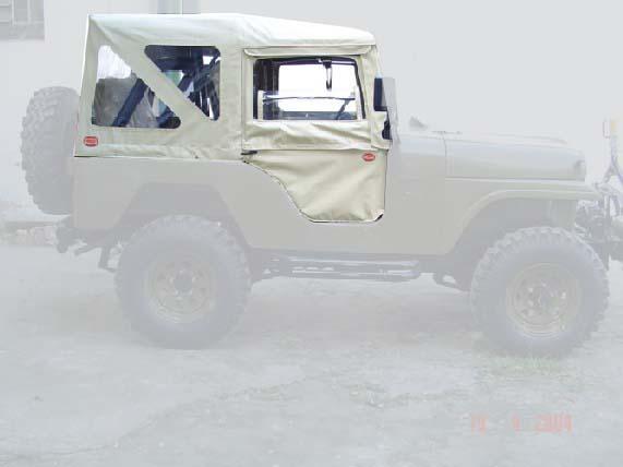 Capota Semi Trial com 3 janelas ( areia externo e manta branca interno )