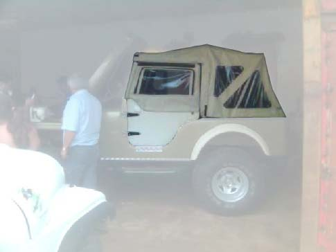 Capota Dupla Face 3 janelas c/ porta de fibra ( areia externo e castor escuro interno )