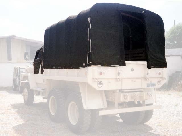 Capota Super Trial (cabine) 4 portas ( camuflado aeronáutico externo e castor escuro interno ) carroceria de lona - encerado - verde militar c/abertura nos 4 lados (estilo militar ) c/porta na parte traseira