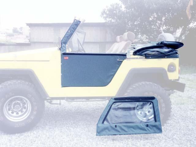 Capota Super Trial  com 3 janelas ( cinza externo e grafite interno ) Basculado