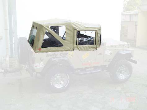 Capota Semi Trial Sport 3 janelas ( areia externo e manta branca interno )