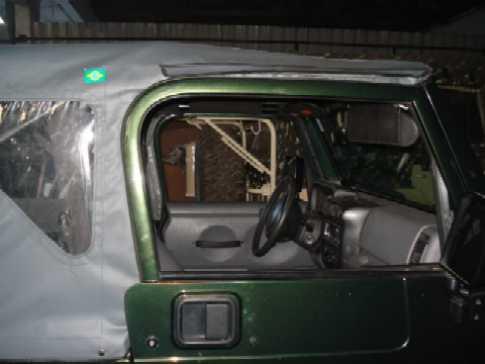 Capota Super Trial 3 janelas ( cinza externo e grafite interno )