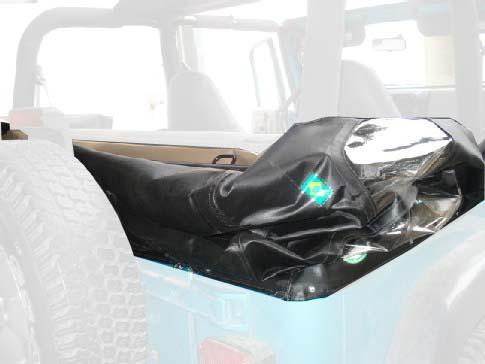 Capota Semi Trial Sport 3 janelas ( preto externo e manta branca interno ) Basculada