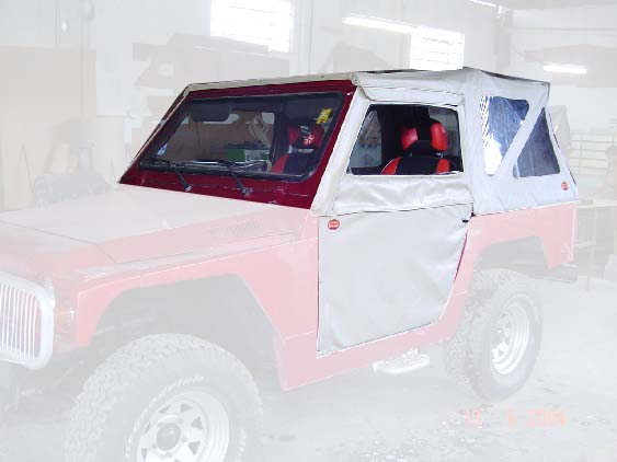 Capota Semi Trial 3 janelas ( areia externo e manta branca interno )