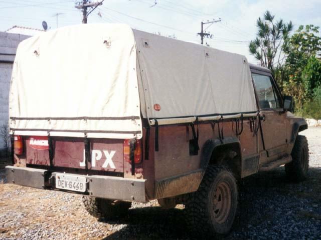 Capota Semi Trial Tipo Militar com Altura Regulável ( telescópica )  ( areia externo e manta branca interno )