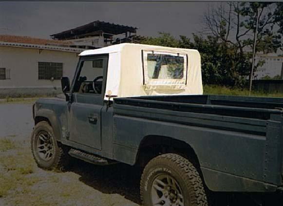 Capota para Cabine Semi Trial 3 janelas ( areia externo e manta branca interno )