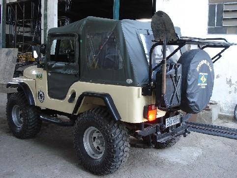Capota Mascote Sport ( verde militar externo e manta branca interno )