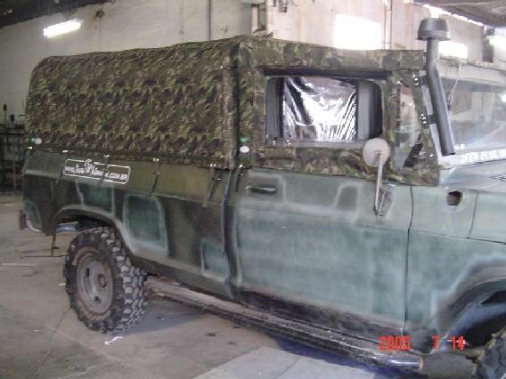 Capota Super Trial tipo Safári 6 janelas ( camuflado aeronáutico externo e castor escuro interno ) + Capota da Cabine ( Cachorro Loco )